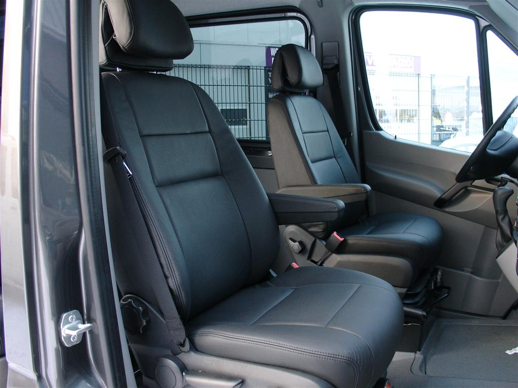 mercedes sprinter auto interieur. Black Bedroom Furniture Sets. Home Design Ideas